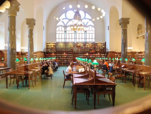 4 Library Hacks Every College Student Should Take Advantage Of