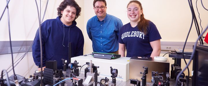 Lab Students' Research is Featured in Middlebury Newsroom Article