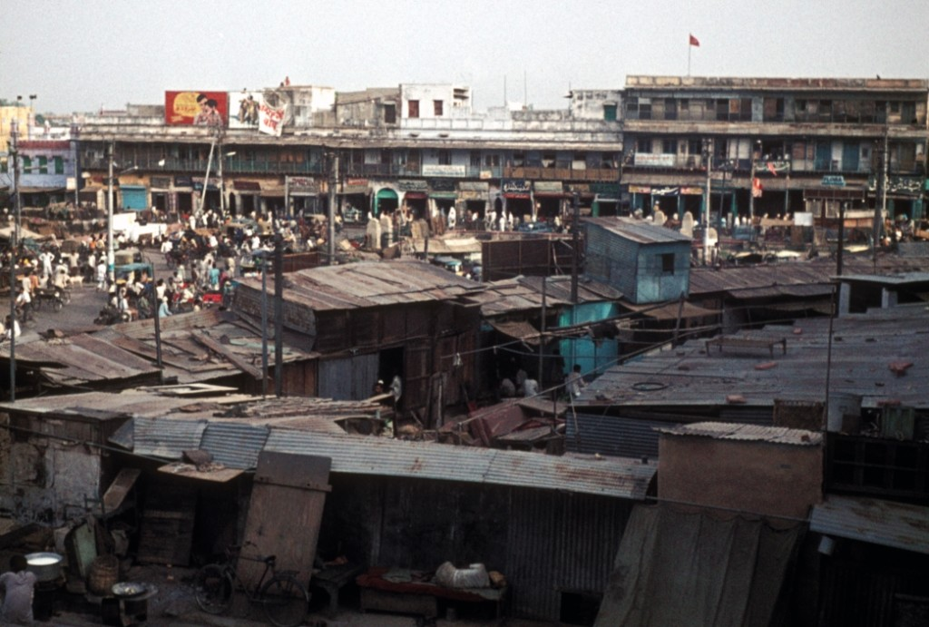 Delhi, India (1973).Source: http://commons.wikimedia.org/wiki/File:1973_Delhi_Slum.jpg