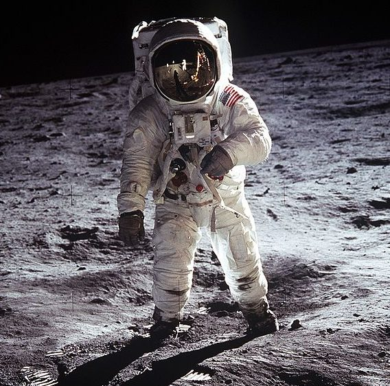 Aldrin_Apollo_11_use